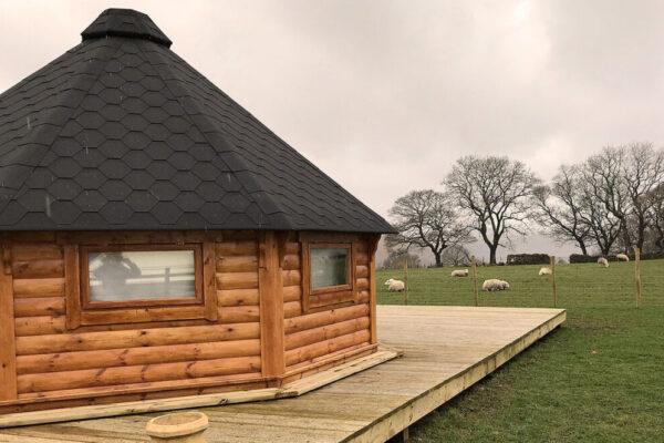 Ty-Unnos-Norwegian-Lodge-exterior2
